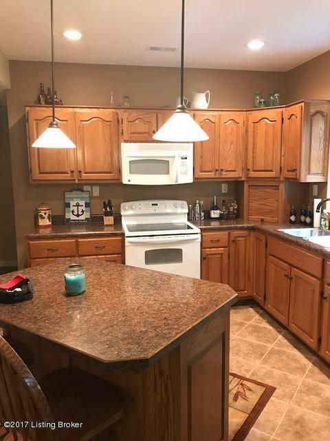 Additional photo for property listing at 157 E Lakeview Drive 157 E Lakeview Drive McDaniels, Kentucky 40152 United States