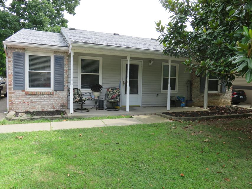 Single Family Home for Sale at 3615 Endeavor Way Louisville, Kentucky 40219 United States