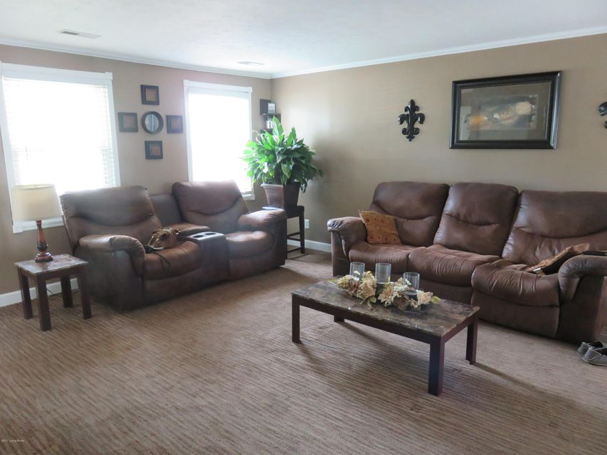 Additional photo for property listing at 3615 Endeavor Way  Louisville, Kentucky 40219 United States