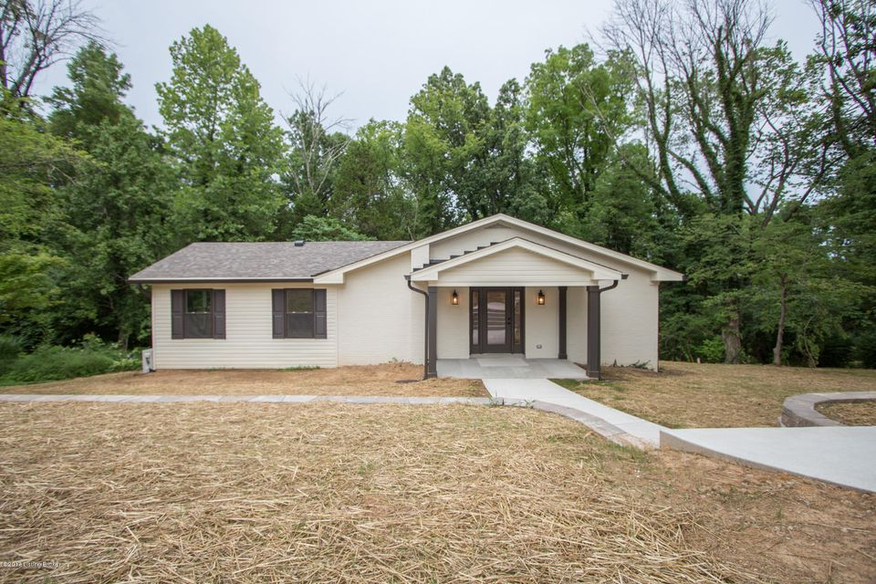 Single Family Home for Sale at 6015 Summit View Lane Crestwood, Kentucky 40014 United States