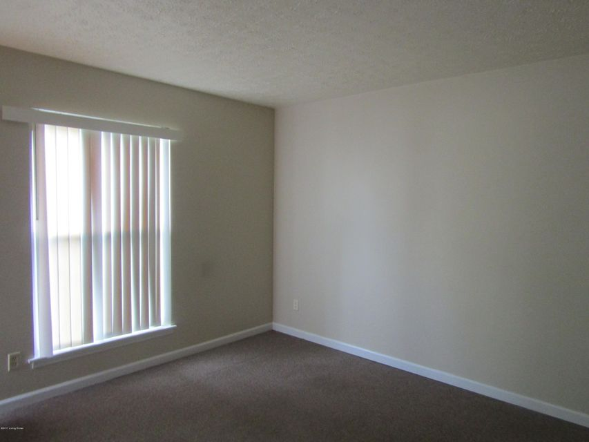 Additional photo for property listing at 116 E Ashland Avenue  Louisville, Kentucky 40214 United States