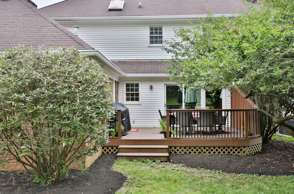 Additional photo for property listing at 1021 Windsong Way  Louisville, Kentucky 40207 United States