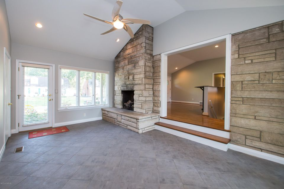 Additional photo for property listing at 4632 Beaver Road  Louisville, Kentucky 40207 United States