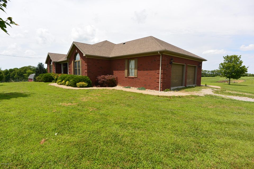 Additional photo for property listing at 1384 HWY 1066 1384 HWY 1066 Bloomfield, Kentucky 40008 United States