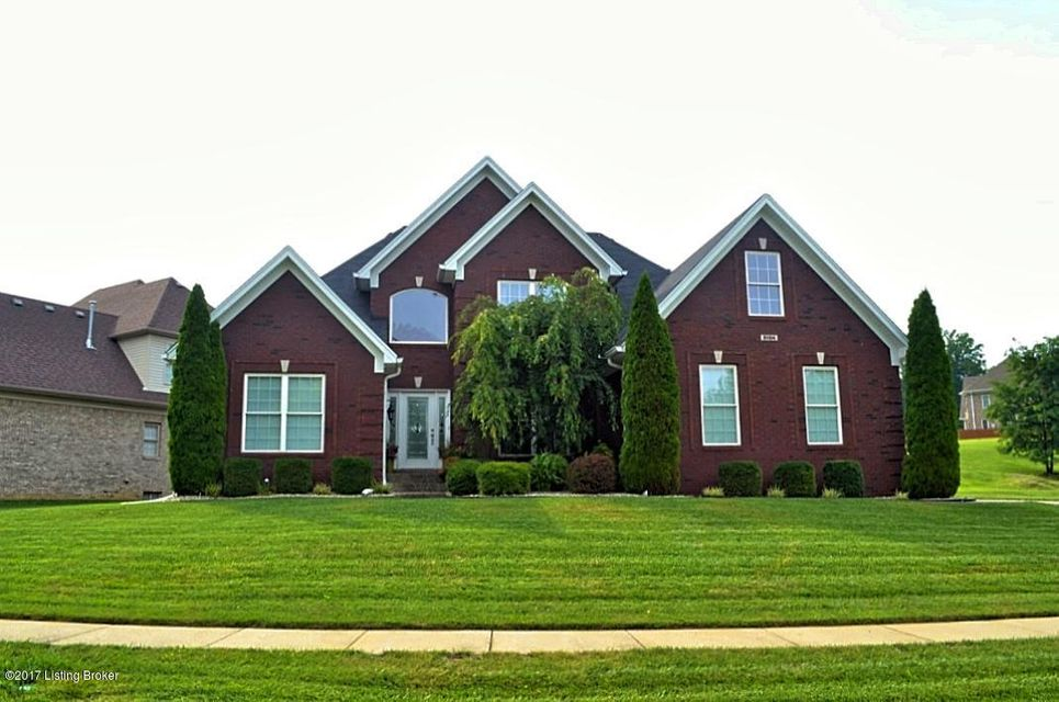 Single Family Home for Sale at 9104 Pinnacle Place Drive Louisville, Kentucky 40272 United States