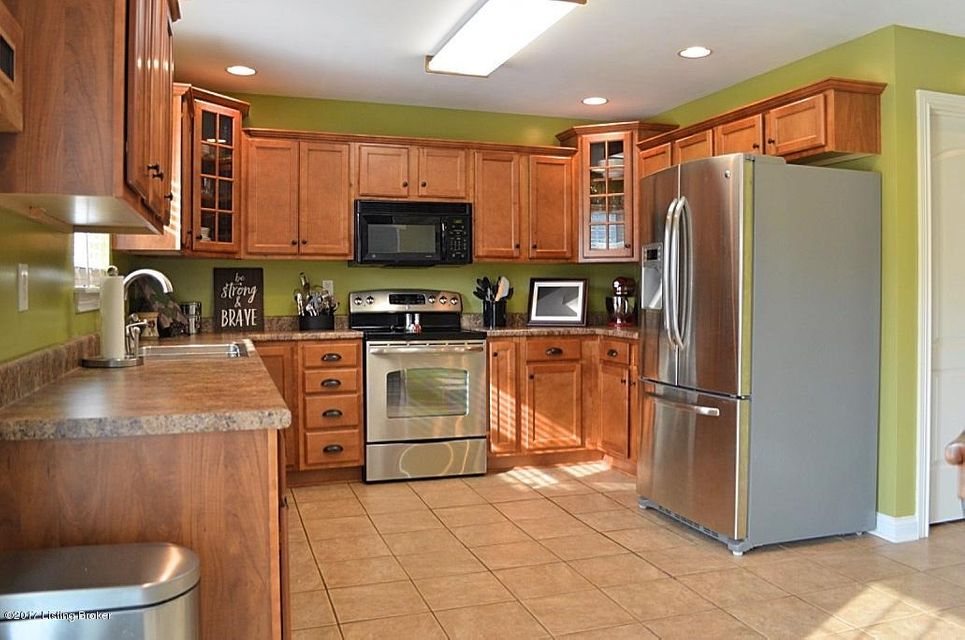 Additional photo for property listing at 9104 Pinnacle Place Drive  Louisville, Kentucky 40272 United States