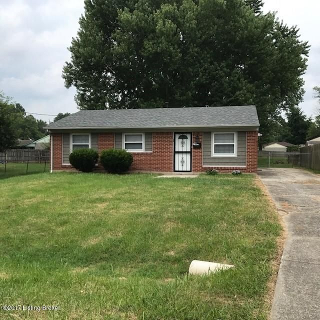 Single Family Home for Sale at 8805 Bluebell Drive Louisville, Kentucky 40219 United States