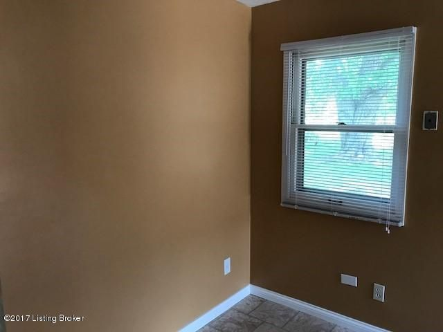 Additional photo for property listing at 8805 Bluebell Drive  Louisville, Kentucky 40219 United States