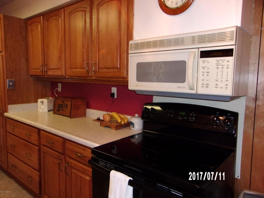 Additional photo for property listing at 1918 MILBURT Drive  Louisville, Kentucky 40223 United States