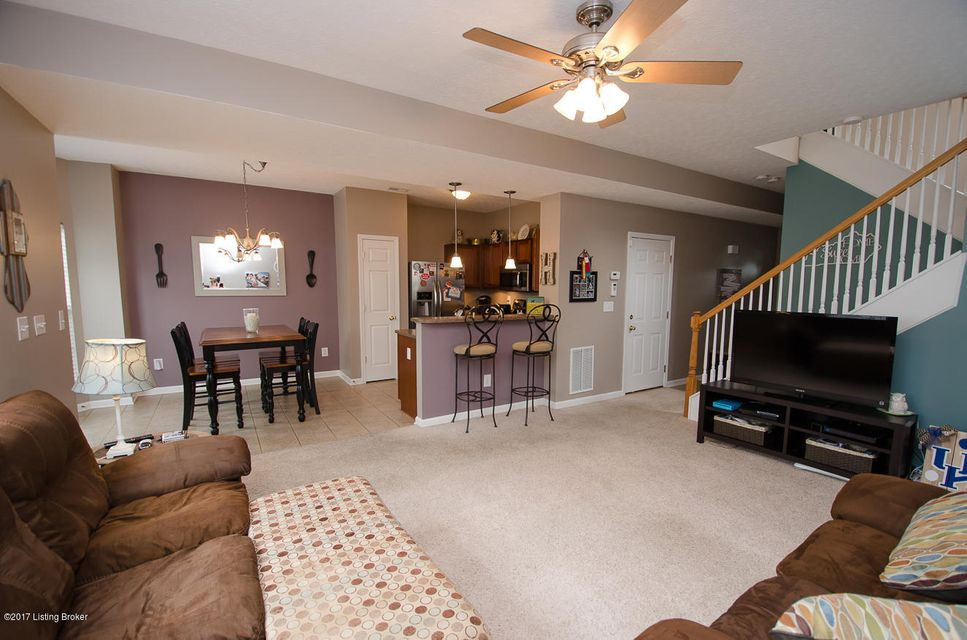 Additional photo for property listing at 7007 Little Oak Court  Louisville, Kentucky 40291 United States