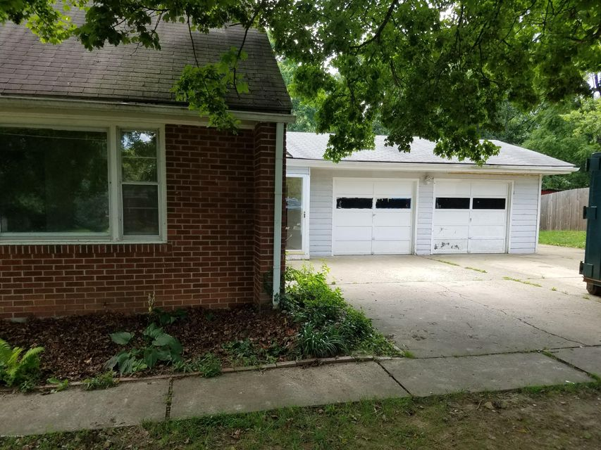 Additional photo for property listing at 10112 Mary Dell Lane  Louisville, Kentucky 40299 United States