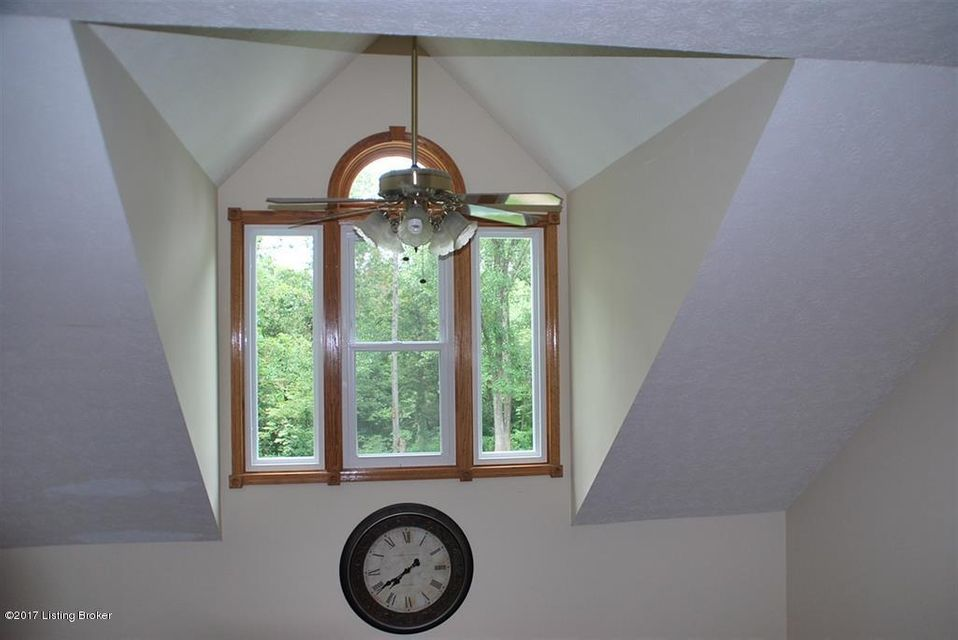 Additional photo for property listing at 210 Delilah Way  Brandenburg, Kentucky 40108 United States