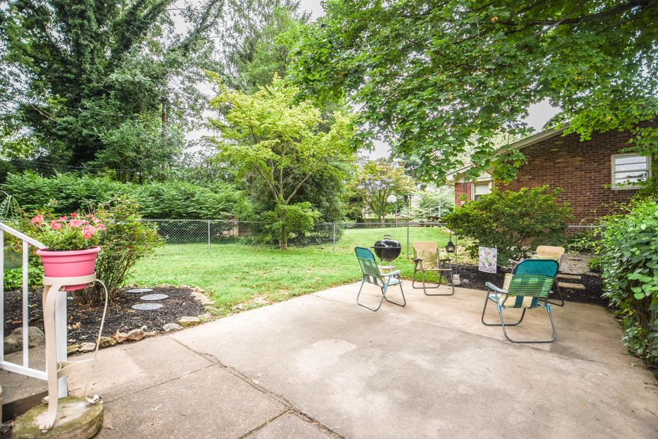 Additional photo for property listing at 120 Wildwood Lane  Louisville, Kentucky 40223 United States