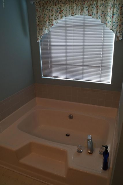 Additional photo for property listing at 10307 Vantage Road  Louisville, Kentucky 40299 United States