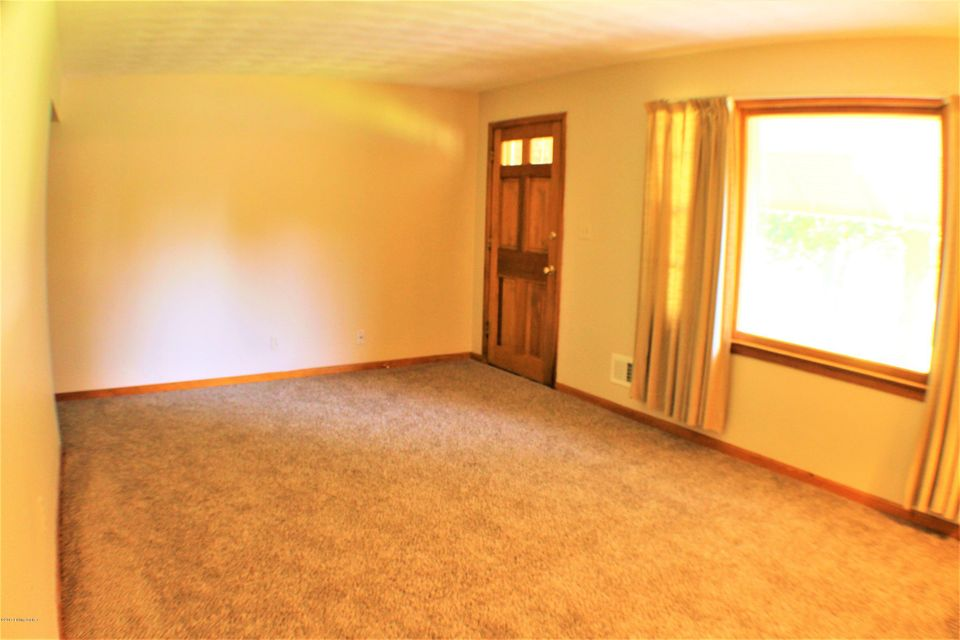 Additional photo for property listing at 7411 Feyhurst Drive  Louisville, Kentucky 40258 United States