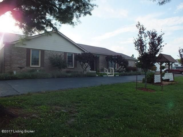 Single Family Home for Sale at 195 King Road Leitchfield, Kentucky 42754 United States