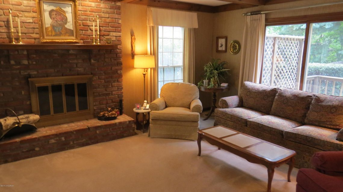 Additional photo for property listing at 9705 Tamarisk Pkwy  Louisville, Kentucky 40223 United States