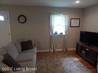 Additional photo for property listing at 709 Bayne Avenue  Shelbyville, Kentucky 40065 United States