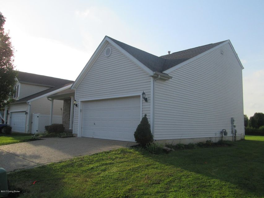 Additional photo for property listing at 7944 Nature Way  Louisville, Kentucky 40218 United States