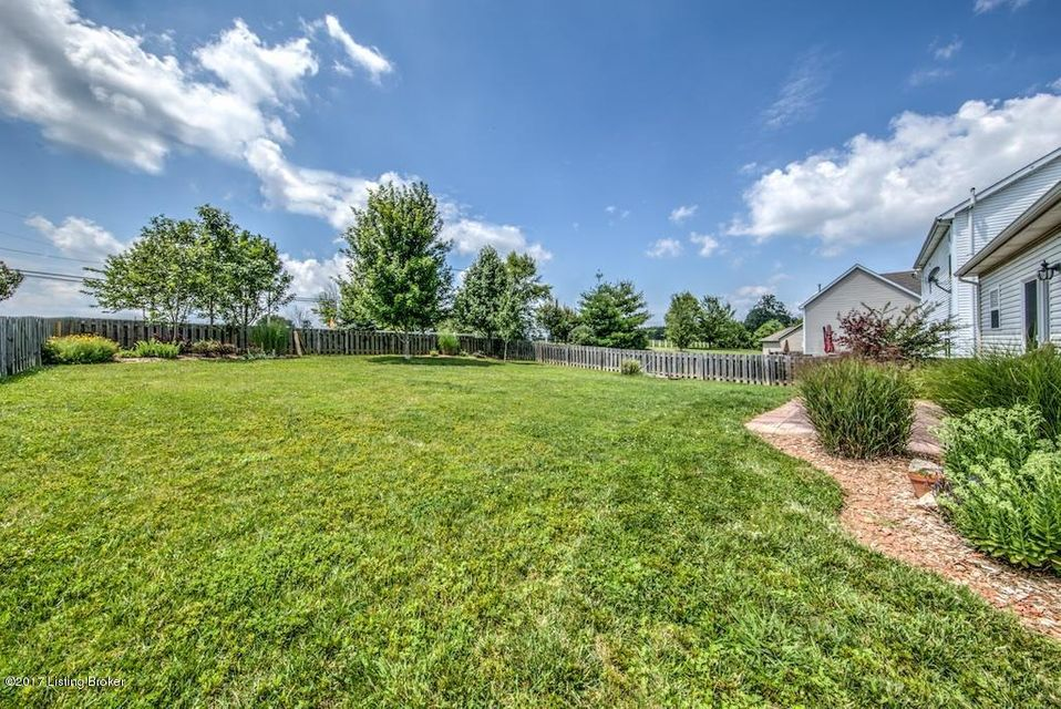 Additional photo for property listing at 9706 Evanwood Court  Louisville, Kentucky 40228 United States