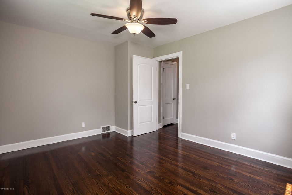 Additional photo for property listing at 6809 Homestead Drive  Louisville, Kentucky 40214 United States