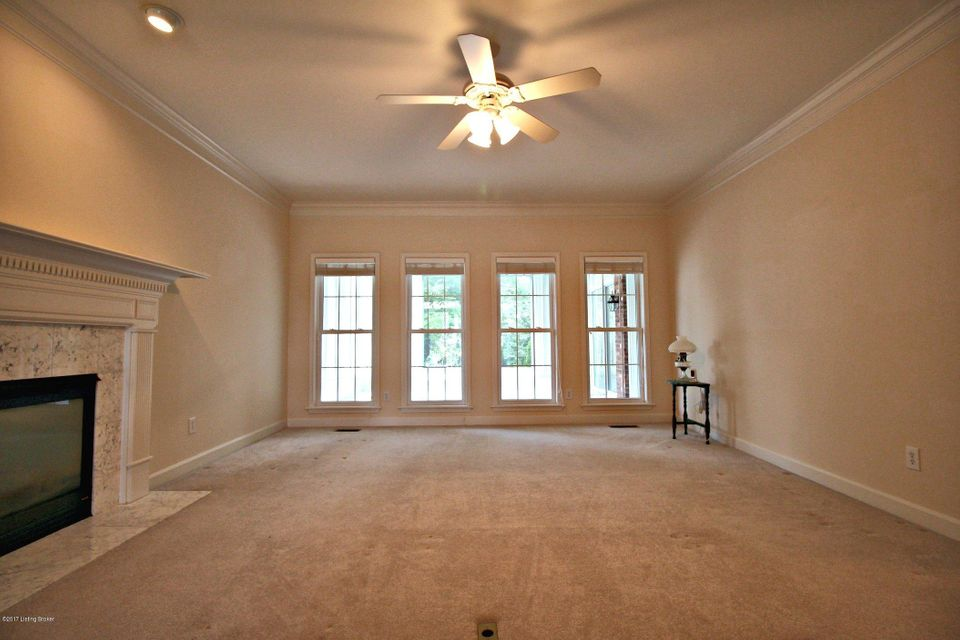 Additional photo for property listing at 300 Gablewood Circle  Louisville, Kentucky 40245 United States