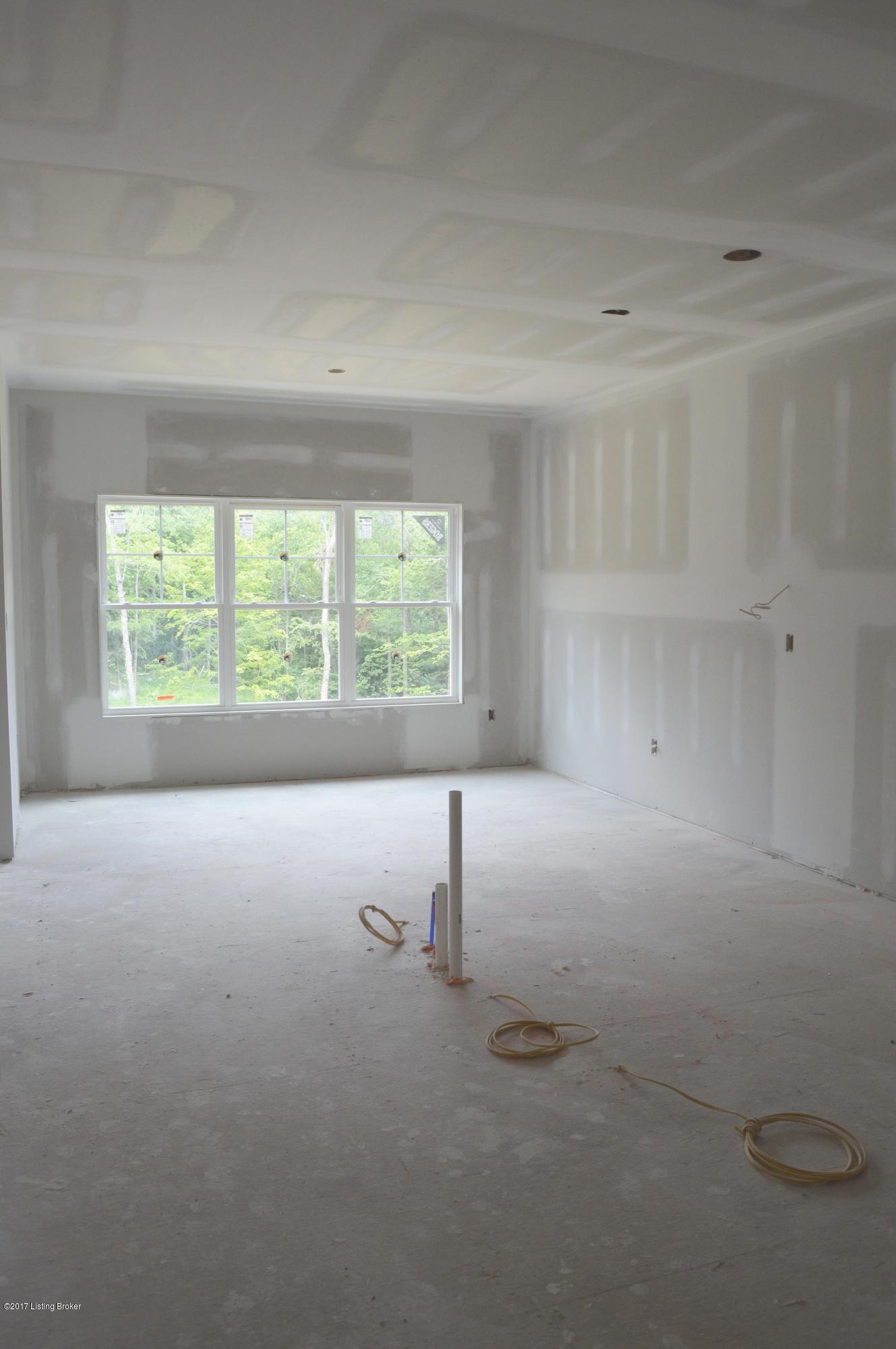 Additional photo for property listing at 2003 Oakshade Court  Crestwood, Kentucky 40014 United States