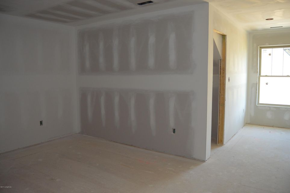 Additional photo for property listing at 1007 Summit Parks Drive  La Grange, Kentucky 40031 United States