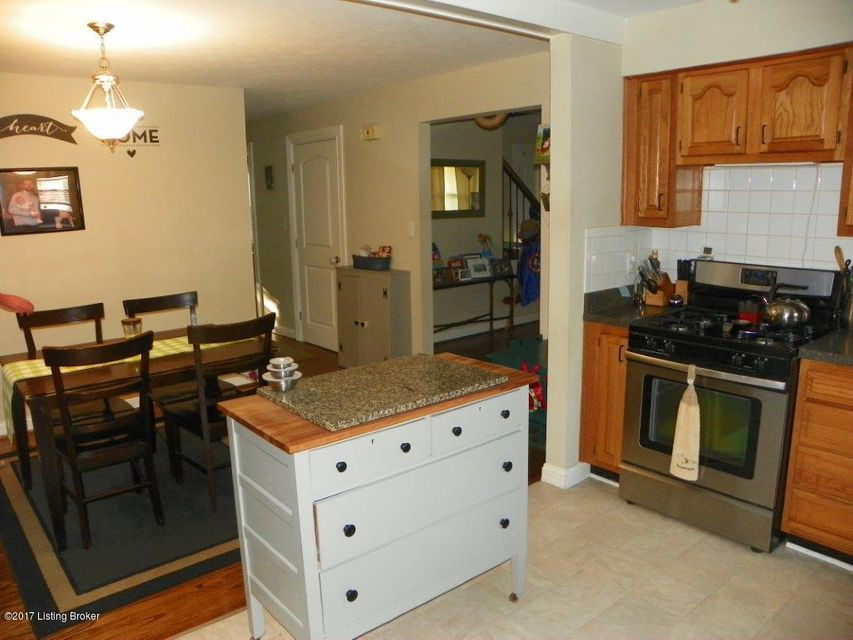 Additional photo for property listing at 204 Harpers Ferry Road 204 Harpers Ferry Road Louisville, Kentucky 40214 United States