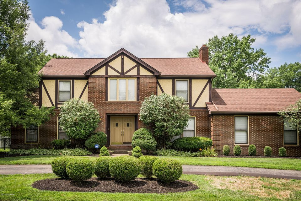 Single Family Home for Sale at 8804 Nottingham Pkwy Louisville, Kentucky 40222 United States