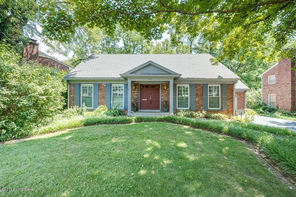 Additional photo for property listing at 427 Trinity Hills Lane  Louisville, Kentucky 40207 United States