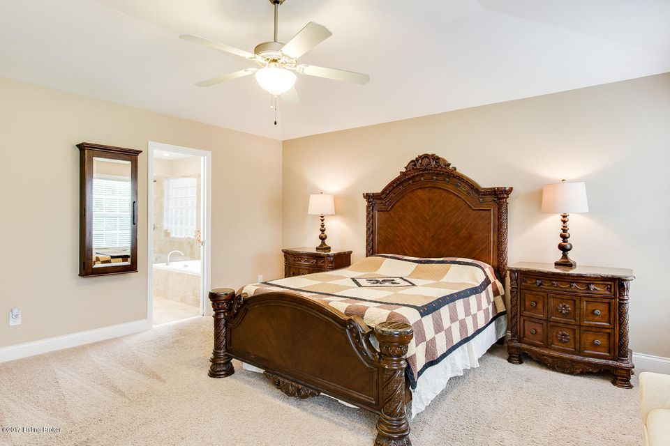 Additional photo for property listing at 1419 Bostwick Lane  Louisville, Kentucky 40245 United States