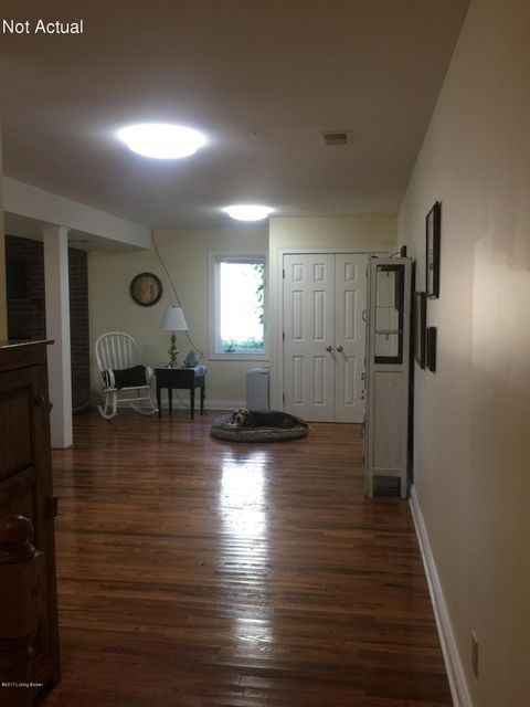 Additional photo for property listing at 1602 Hialeah Court  Goshen, Kentucky 40026 United States