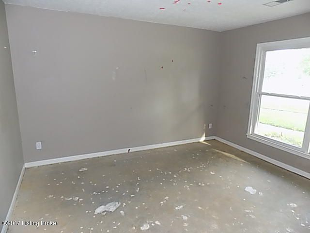Additional photo for property listing at 8800 Mckenna Way  Louisville, Kentucky 40291 United States