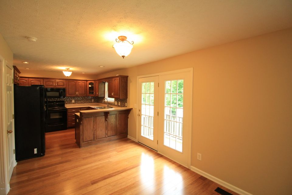 Additional photo for property listing at 11422 Reality Trail  Louisville, Kentucky 40229 United States