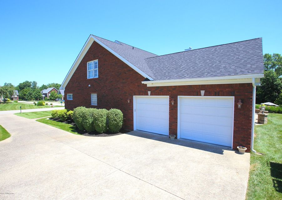 Additional photo for property listing at 182 Persimmon Ridge Drive 182 Persimmon Ridge Drive Louisville, Kentucky 40245 United States