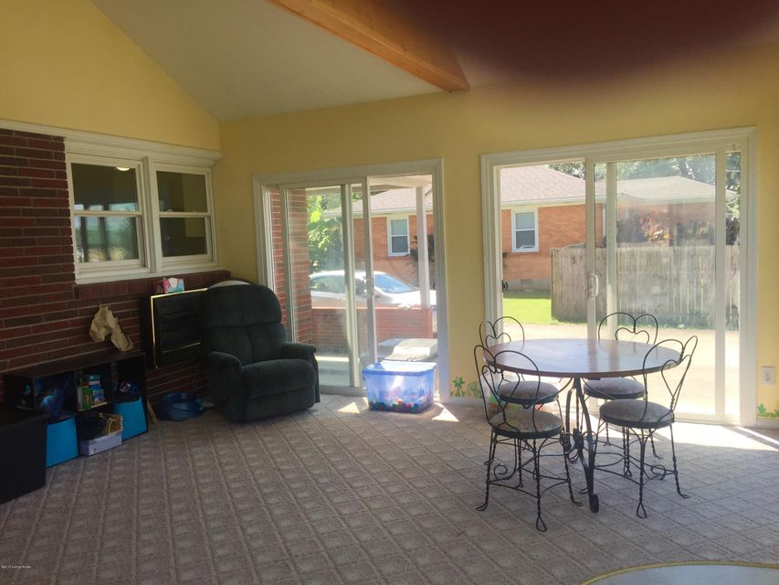 Additional photo for property listing at 469 Centerview Drive  Shepherdsville, Kentucky 40165 United States