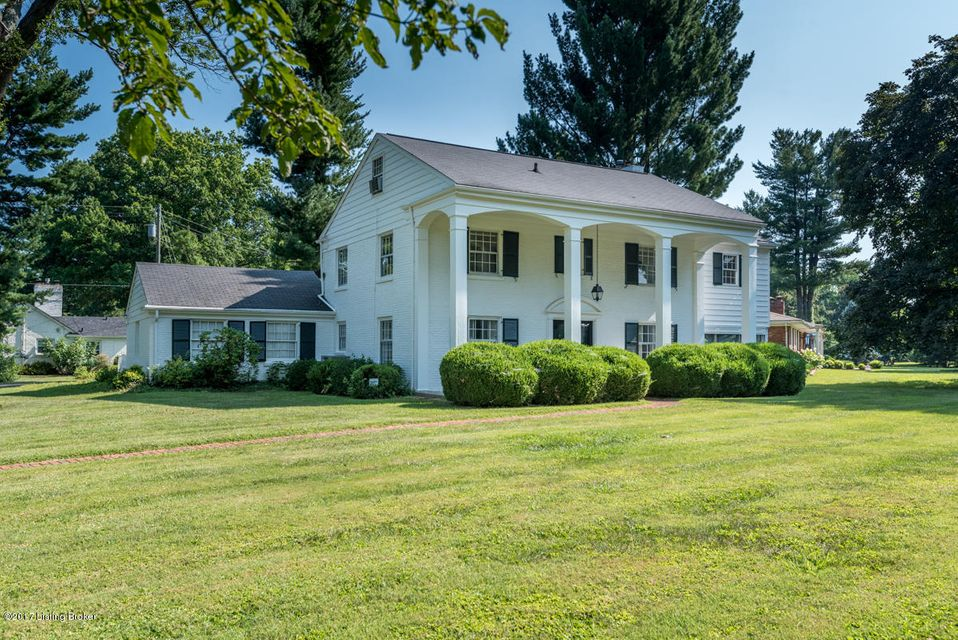 Single Family Home for Sale at 105 Travois Road 105 Travois Road Louisville, Kentucky 40207 United States
