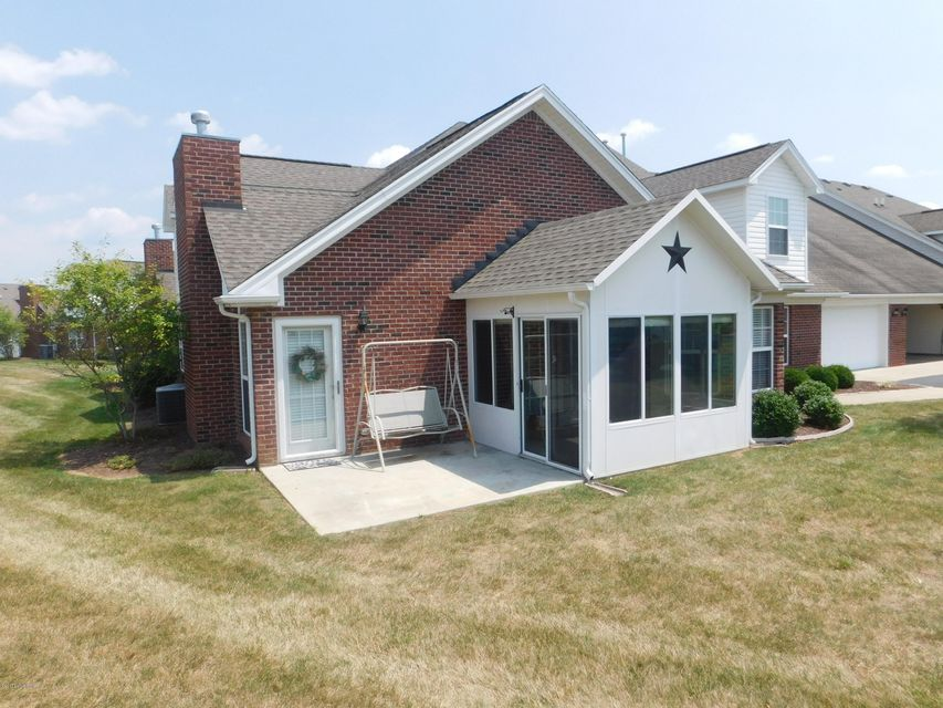 Additional photo for property listing at 5247 Valkyrie Way  Louisville, Kentucky 40272 United States