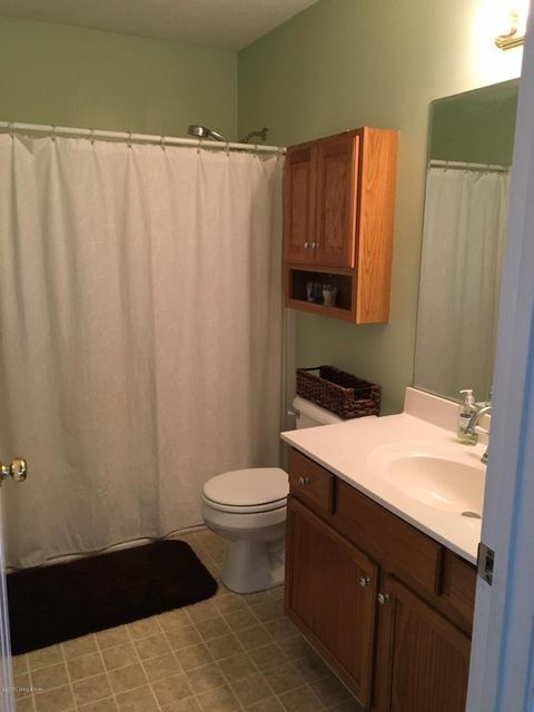 Additional photo for property listing at 4011 Fairfield Gardens Court  Louisville, Kentucky 40245 United States