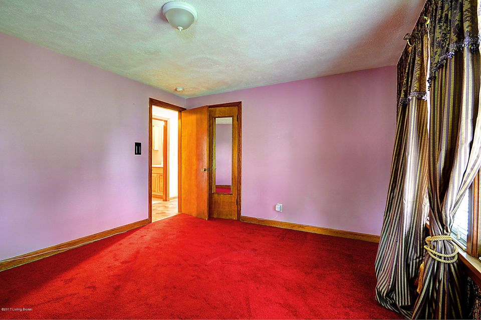 Additional photo for property listing at 7006 Lower Hunters  Louisville, Kentucky 40258 United States