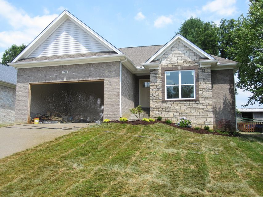 Single Family Home for Sale at 7229 Oakburn Drive Louisville, Kentucky 40258 United States