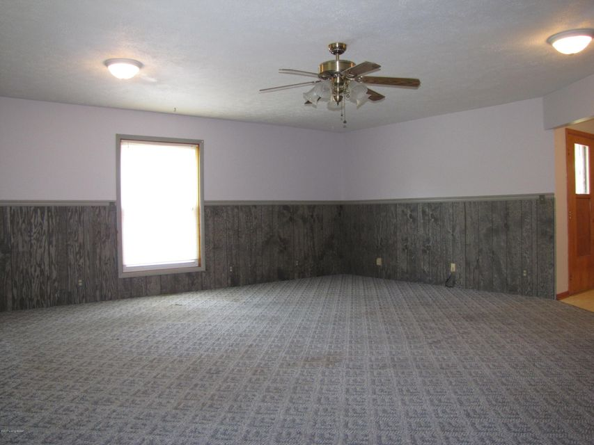 Additional photo for property listing at 3445 Heatherfield Drive  Louisville, Kentucky 40216 United States