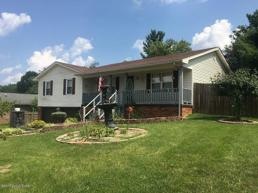 Additional photo for property listing at 1572 Redbud Circle  Radcliff, Kentucky 40160 United States