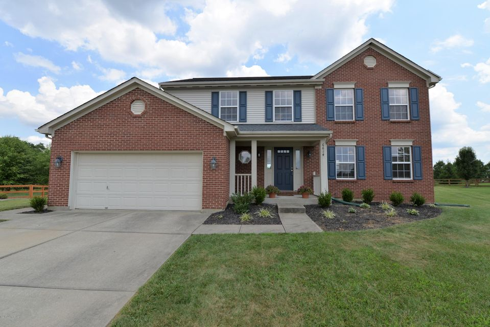 Single Family Home for Sale at 6614 Jade Court Burlington, Kentucky 41005 United States
