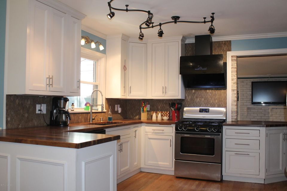 Additional photo for property listing at 3739 Avon Court  Louisville, Kentucky 40220 United States