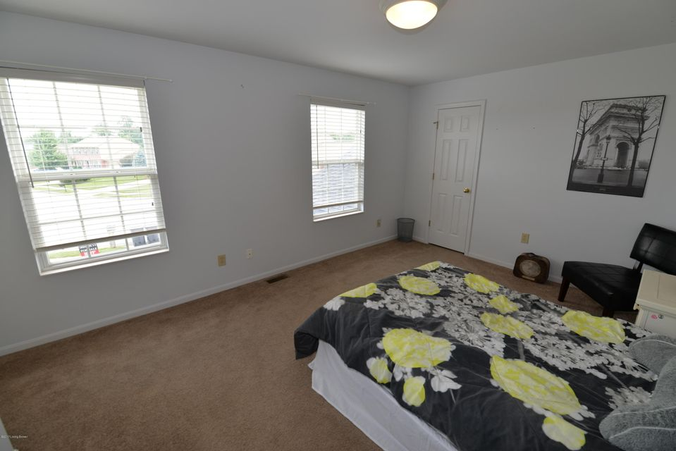 Additional photo for property listing at 6614 Jade Court  Burlington, Kentucky 41005 United States