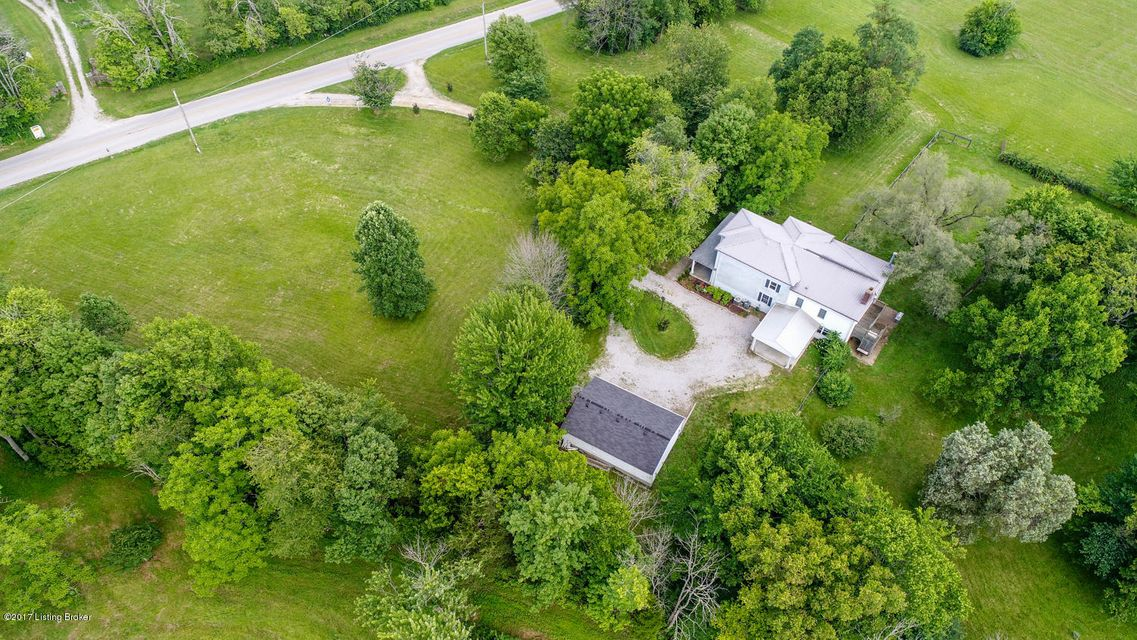 Additional photo for property listing at 4715 Lawrenceburg Road 4715 Lawrenceburg Road Frankfort, Kentucky 40601 United States