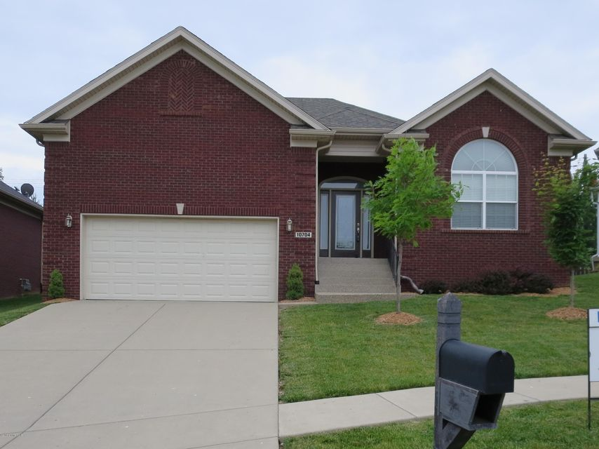 Single Family Home for Sale at 10704 Vine Hill Drive Louisville, Kentucky 40299 United States