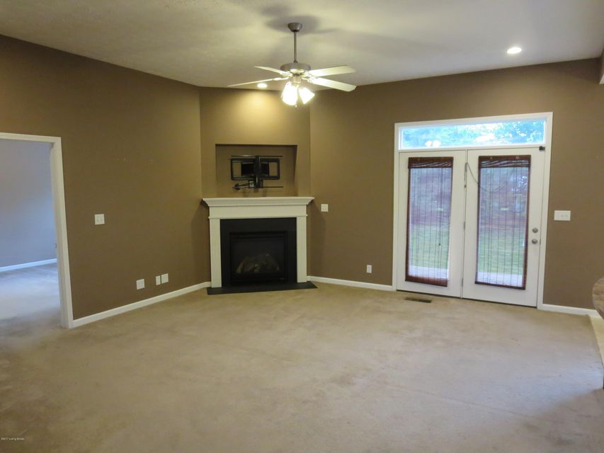 Additional photo for property listing at 10704 Vine Hill Drive  Louisville, Kentucky 40299 United States